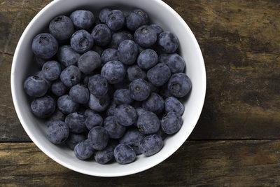Thumb 400 various farms organic blueberries 4 oz